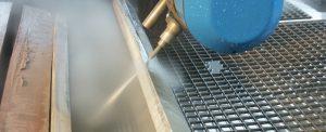 Découpe 5 axes par jet d'eau chargé